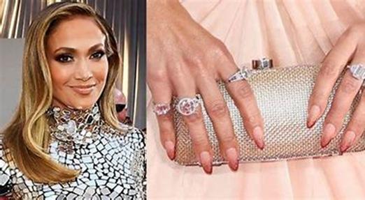 unique engagement rings, trending engagement rings