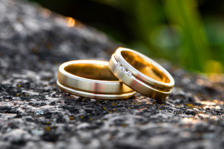 Classic His and Hers Wedding Bands for the Timeless Couple